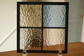ステンドグラス 格子2×2 淡い色ガラス2 18cm×18cm