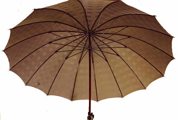 ■前原光榮Gentle 16(ブラウン) 楓(かえで)ハンドル皇室御用達 前原光榮商店 紳士雨傘お名前彫りなしは即納できますお名前彫り有の場合は12/28(木)仕上がり予定(年内最終)心斎橋みや竹オリジナル仕様