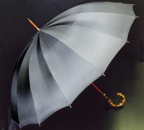 ■前原光栄Bamboo16 (チャコールグレー)「皇室御用達」前原光榮商店 紳士雨傘いつまでも持ち続けたい傘。持つほどに愛着がわく紳士傘お名前彫りなしは即納できます御名前入れありは3/7(水)仕上がり予定