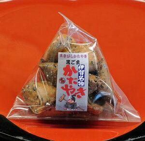 まきびし 黒ごま 60g かたやき(堅焼き)せんべい 日本一堅い煎餅 TV・雑誌でも紹介 伊賀 老舗 土産・おみやげにもおすすめ 和菓子(お菓子・焼き菓子) 父の日 プレゼント・ギフト 伊賀菓庵山本