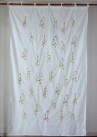 カーテン 間仕切り つっぱり 北欧 ヒュッゲ おしゃれ 刺繍 カントリー 柄 花柄 植物 仕切り プランツ エンブロイダリー 綿100% コットン イエロー マスタード 黄色 辛子色 ホワイト 白 インド綿 丈180cm 幅110cm