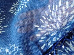 のれん・和柄・藍染め・インド綿・ビーズ付き・インディゴフラワー・ネイビー