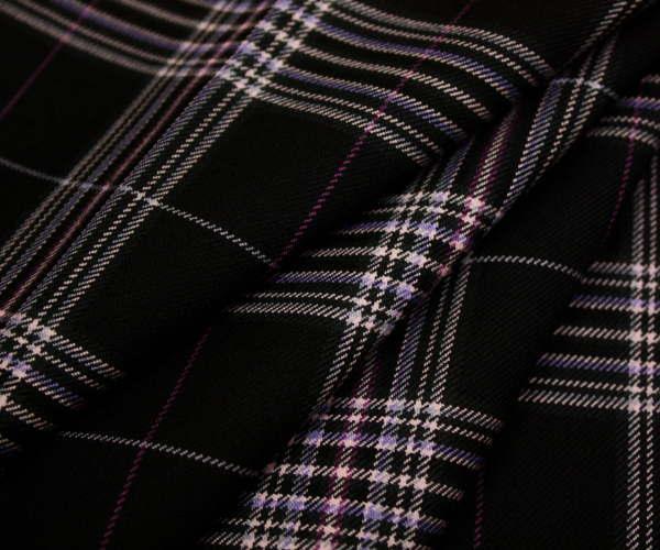 黒地にオフホワイト&ピンクのラインがキュートなタータンチェック 日本製上質ウール ポリエステル混先染めツイル(綾織り)生地 W巾150cm 防縮加工 布 布地 服地 通販 ウール チェック ウール生地 チェック柄 スカート パンツに