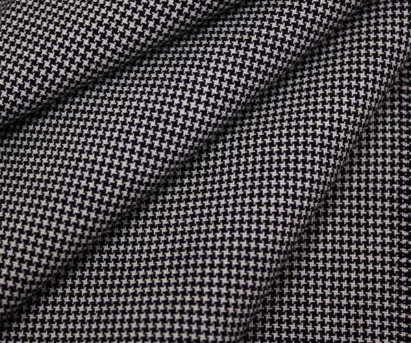 ダークネイビー&オフホワイトのミニミニ千鳥格子 チェック 日本製ウール/ポリエステル混平織り生地 薄手のサマーウール。W巾150cm 防縮加工 布 布地 服地 通販 50cm以上10cm単位 千鳥 千鳥柄 チェック柄