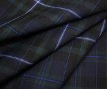 細いブルーとオフホワイトのラインが入ったブラックウォッチ調タータンチェック・薄手のウール/ポリエステル混先染めサマーウール(平織り)生地