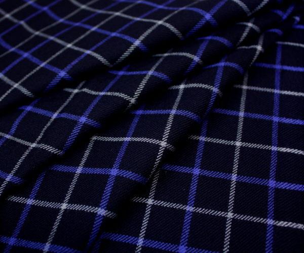 日本製上質ウール100%綾織り・落ち着いたネイビー地にオフホワイト&ライラックブルーのシンプルグラフチェック W巾150cm 防縮加工 布 生地 布地 服地 通販 ウール ウール生地 チェック柄 チェック 10cm単位 毛 ツイル