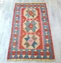 トルコキリム・カイセリ ヤストゥク/玄関マット103×53cmレッド&ブルー&ピンク/3つの陰陽のモチーフ