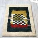 ギャッベ シラーズ ・カシュカイ族の手織り・アマレバフ・玄関マットサイズ89x60cm ナチュラルアイボリー&グリーン&レッド チェック