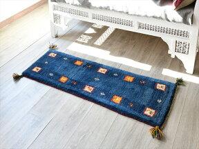 ギャッベカシュカイ族の手織りラグ・細長ランナーサイズ117x40cmブルースクエアデザイン