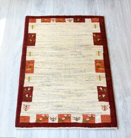 ギャッベ シラーズ ・カシュカイ族の手織り・アマレバフ・玄関マットサイズ87×61cmアイボリー/動物と植物のモチーフ