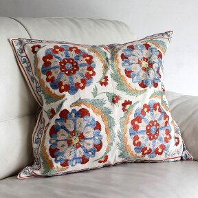 シルク手刺繍のクッションカバー/ウズベキスタンスザンニ/suzani/49×55cm華やかな花模様