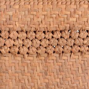 やまぶどう・カゴバッグ/中央六角細工編み・小判型・白皮・中サイズ幅32cmx本体の高さ24cmxマチ12cm・重さ500g