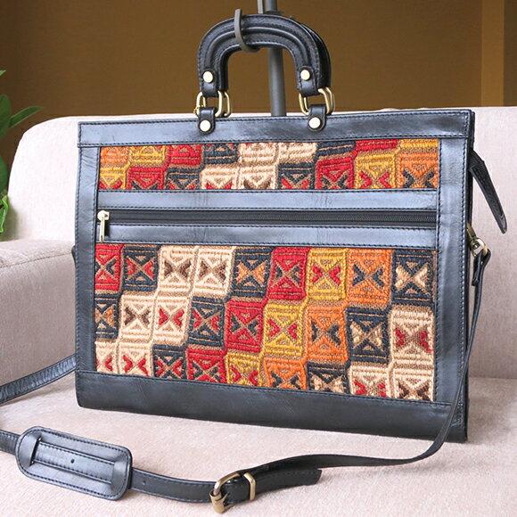 キリムと革のバッグ・ブリーフケースレッド・ブルー&ホワイト/立体感のあるジジム