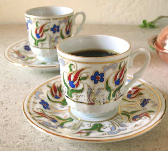 トルココーヒー用エスプレッソ・デミタスコーヒーカップ&ソーサー珍しい小さめ陶器2客セット:赤いチューリップ/トルコお土産