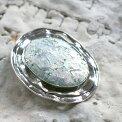 TheRomanGlassCompanyローマングラス/ブローチ銀化した古代ガラス(パティナ)50cmシルバーチェーン付き