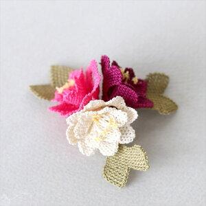 イーネ・オヤ ブローチ/3つの花 ピンクグラデーションフラワーコサージュ・トルコ伝統レース