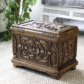 トルコ製宝箱・サンドゥック・木製ブランケットボックス・黒海地方の伝統模様飾り彫り H33×W52×D37cm