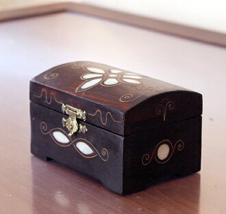 Inlaid furniture wooden furniture-Syria-Arab style / Walnut wood jewelry box, mother of Pearl inlay