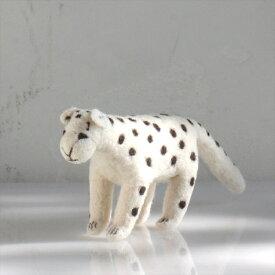 フェルトのぬいぐるみ・ユキヒョウ・Mサイズ/キルギス製 Kyrgyzstan Felt animal・Panther/M size