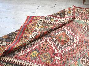 草木染のコンヤキリム(VintageStock)カリヨラ193×137cmヌズムラ・ドラゴンの爪を持つミフラープTurkishKilimNaturaldye