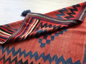 オールドキリム・アフシャール族のソフレ123×122cm色褪せたレッド流れる水のジグザグ