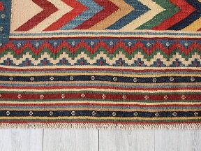 オールドキリム・シルジャンカリヨラ213×153cmカラフルなジグザグ・スザンニ織りの凹凸あるモチーフ