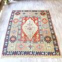 カイセリキリム・セッヂャーデサイズ色にこだわるワンランク上の織りアダナ地方の変形メダリオン