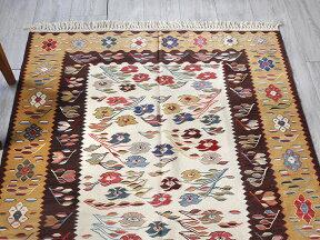 草木染・スーパーファインキリム最高級の細かな手織りトルコキリム172×121cmセッヂャーデ・花のモチーフアイボリー/イエロー