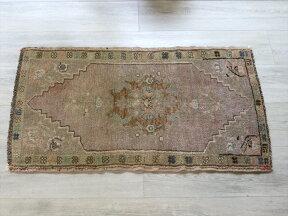 トルコ絨毯・トライバルラグ/シワスヤストゥク98×55cm淡いパープルの六角メダリオン