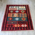シラーズ・カシュカイ族の手織りキリムセンターラグレッド&オレンジ・グリーン
