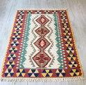 ウシャクキリム・アースカラー・細かな手織りのトルコキリム170×115cm4つのベレケットセッヂャーデ