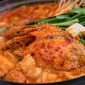 2点同時購入で送料無料。3点購入で豪華オマケ付き。ワタリガニを丸ごと一匹使用した韓国鍋。キャベツキムチ入り。ケジャン鍋約2〜3人前。カニエキスが染み出てスープが甘辛くて美味しい!鶏肉や豚肉、野菜と一緒にお召し上がりください!【カニ/蟹/かにすき】【冷凍】