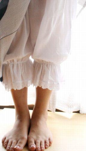 ステテコ レディース 和装下着 綿100%/クレープ地 レースのフリル付 パンツ型裾よけ 裾除け おしゃれなクレープ生地 M/L ペチコートパンツ ステテコ レディース 和装下着【日本製】≪あづま姿≫