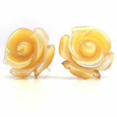 【黄蝶貝 ホワイトゴールドピアス・ピルグリム】 華奢 シンプル 可愛いピアス ジュエリー ブランド 宝石