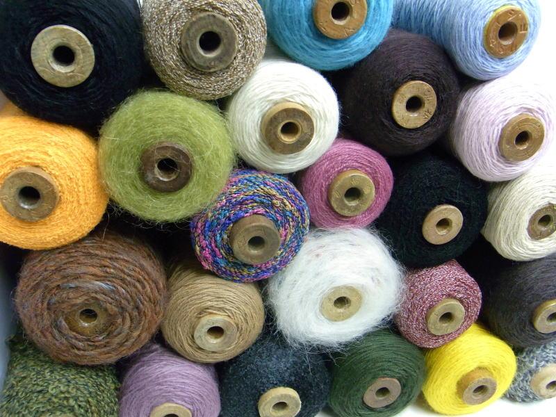 【福袋(ウール・変り糸)】 お手元にいろいろな糸を揃えたい方必見!とってもお買い得ですよ!   【RCP】【fkbr-i】