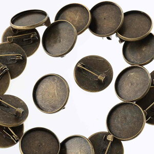 ブローチピン 台座 付き アンティーク 18mm 金古美 丸皿 ふち有 20個 ブローチ 金具 セッティング台 アクセサリー パーツ AP2253