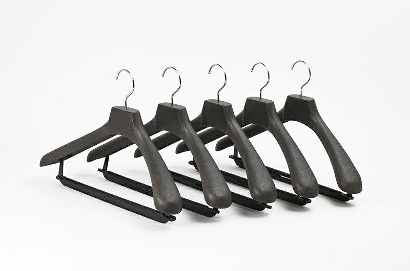 HG408BRメンズ用 プラスチック 40cm スーツ コート ハンガーフロステッドブラウン 5本セット(1本450円)5000円(税別)以上 送料無料ご購入特典クーポン配布中KOBEL CLOSET紳士用 セット コーベルクローゼットプラスチックハンガー HANGER