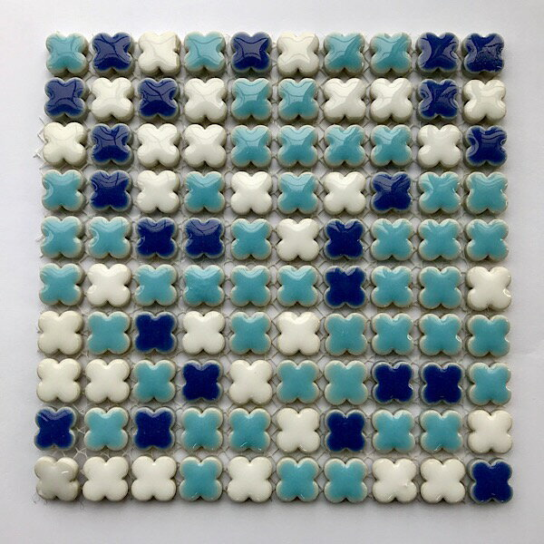 【花柄モザイク】ホワイトブルー / イチマツ
