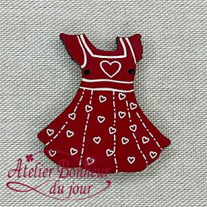 【木製ボタン】ハートのドレス (ルージュ)