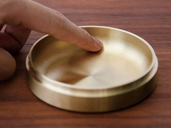 NEIGHBOR case C 真鍮製保存ケース /有限会社シオン ネイバー 航空部品 オブジェ/小物入れ コーヒー豆 クリームケース 宝物箱/お菓子 化粧品 ビーズ 宝石 貴金属 ピアス 指輪など/保管 保護 密封/劣化しない 壊れない/空気や湿気が入らない保管ケース 金属製密封容器