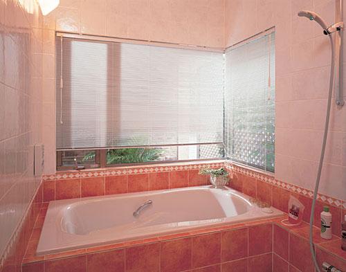 浴窓用テンションタイプ ブラインド TOSO ニューセラミー15浴窓テンションタイプ 幅61cm〜80cm×丈71cm〜90cm【送料無料】