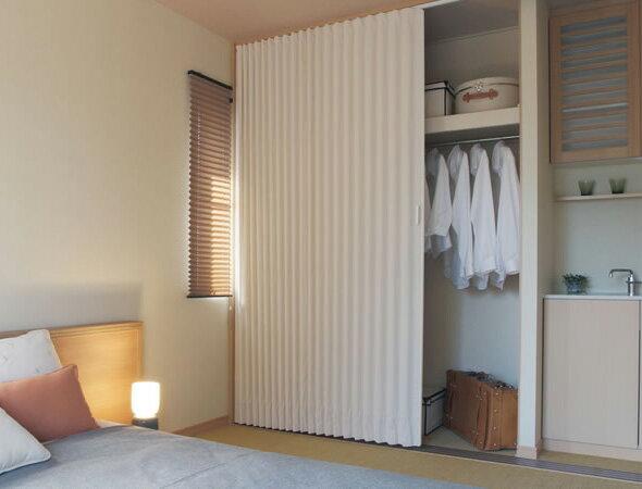 TOSO アコーディオンドア(アコーディオンカーテン) クローザーライト ニューエスポワール 幅151〜175cm×丈161〜180cm