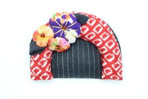 ブローチ くしブローチ  日本伝統 着物 リメイク 和雑貨 アクサセリー  ハンドメイド 手作り  古布 手芸 花びら しぼり柄 派手 櫛 ブローチピン