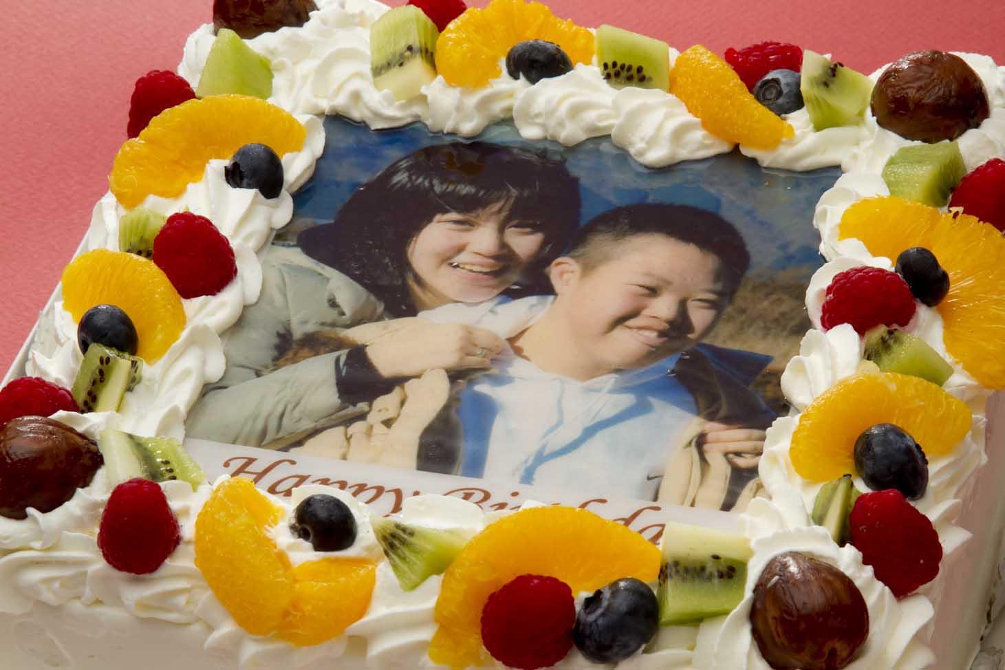 写真ケーキ(四角) 7号 生クリーム【冷凍 到着後は冷蔵庫で4〜5時間保管解凍】21×21cm