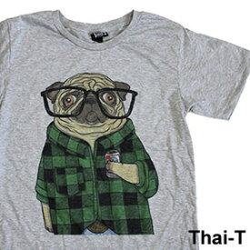 リアルでかわいい犬イラスト「メガネパグ」半袖Tシャツ 微笑みの国「タイ王国」直輸入Tシャツ お土産 i_thai20