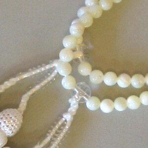 女性用数珠(二輪)蝶貝人絹白頭房【桐箱入り】