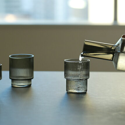 fermLIVING(ファームリビング)RippleGlasses(リップルグラス)4個セットスモークグレー北欧/ガラス食器/日本正規代理店品