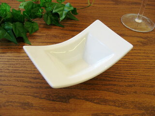 白い食器スプラウト反ボール12cm[ボウル/小鉢][業務用]