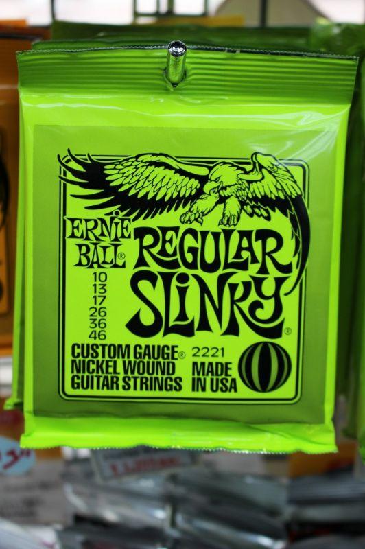 ERNIE BALL #2221 Regular Slinky (10-46)12セット 《エレキギター弦》【まとめ買いセット】【新品】【クロサワ楽器池袋店WEB SHOP】