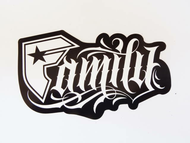 "FAMOUS STARS AND STRAPS フェイマススターズ&ストラップス ""GANGSTER FAMILY"" STICKER 5inch(12.5CM)"